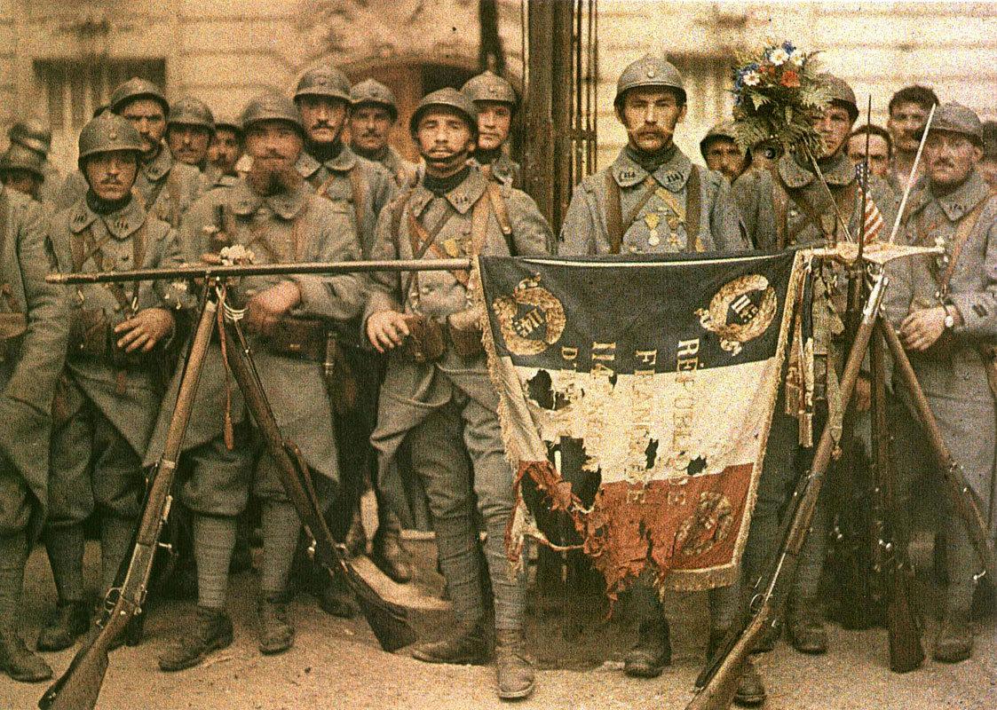 El_114_de_infantería,_en_París,_el_14_de_julio_de_1917,_León_Gimpel